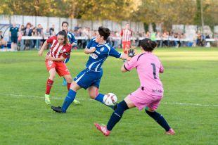 Kuki dispara a puerta para marcar el cuarto tanto del Atleti Féminas ante el Oiartzun KE, el primero de su cuenta particular.