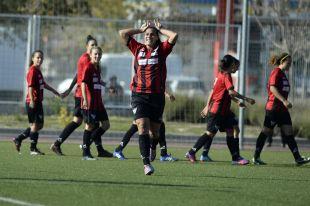 Cristina Martín celebra el gol que dio la victoria a su equipo ante el Rayo Vallecano.