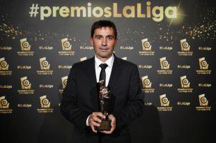 El técnico del CD Leganés Asier Garitano logró el trofeo a 'Mejor Entrenador de LaLiga 1l2l3 2015/16'