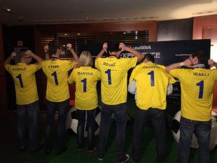 Varios fans de LaLiga de Georgia y Ucrania asistieron al duelo entre la UD Las Palmas y el Real Madrid con sus camisetas personalizadas