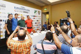 Multitud de medios acudieron a la rueda de prensa delos técnicos de Málaga y Deportivo Cali.