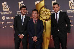 Dani Parejo y Diego Alves, sobre la alfombra roja