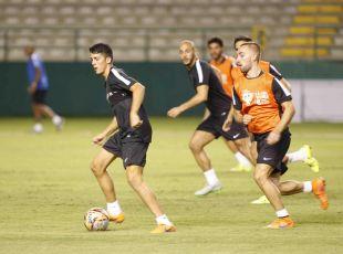 Físico y balón fueron protagonistas del entrenamiento.