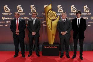 La delegación del CD Numancia posó en #PremiosLaLiga