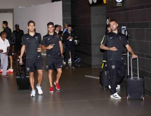 Los jugadores andaluces llegaron al aeropuerto de Buenos Aires desde Bogotá.