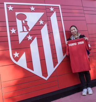 Yanfei visitó al Atlético en el Cerro del Espino, Madrid