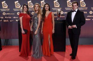 Numerosos rostros conocidos llenaron la alfombra roja de los #PremiosLaLiga