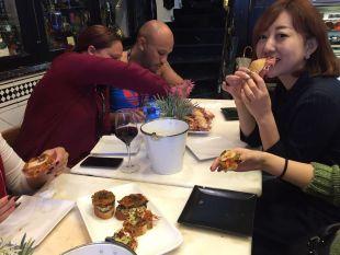 Seguidores de LaLiga de Sudáfrica y Japón viajaron hasta Bilbao, donde pudieron degustar algunas delicias de la gastronomía española