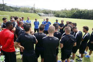 El técnico Javi Gracia dirigió la primera sesión del Málaga en Colombia