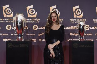 La modelo Lorena van Heerde posó ante los focos de #PremiosLaLiga