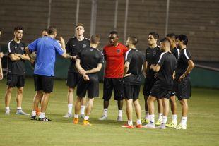 Javi Gracia no dejó de dar órdenes durante toda la sesión de entrenamiento.