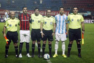 Recio ejerció como capitán del Málaga en el Estadio Pedro Bidegain de Buenos Aires