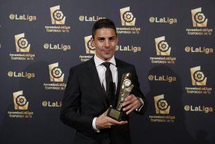 Óscar González, 'Mejor Centrocampista de la Liga Adelante 2014/15'