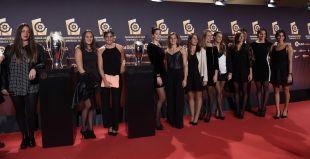 El equipo español de waterpolo femenino se sumó a la celebración.