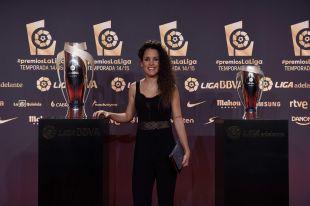 Cindy García, capitana del UD Granadilla TFE Egatesa, en la alfombra roja de la Gala de los Premios LaLiga 2014-2015.