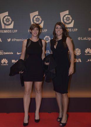 El Barcelona femenino, presente en alfombra roja en 'Gala de los Premios LFP 2014': Marta Unzué y Ruth García
