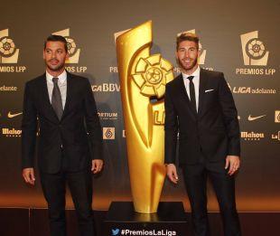 Sergio Ramos, junto a su hermano, en la Gala 2013-2014