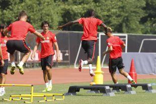 Varios jugadores del Atlético, durante el entrenamiento