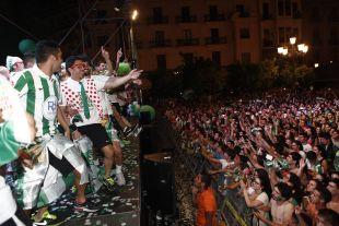 Afición y jugadores fueron uno solo durante las celebraciones