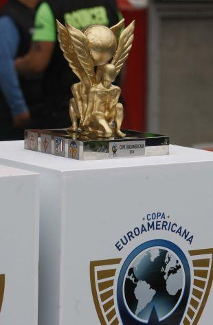 El conjunto levantino se enfrentó Club Alianza de Lima en su primer partido de la gira.