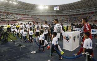 Tras jugar en Perú, el Valencia cambió de destino y se trasladó a Chile, donde el CD Universidad Católica fue el rival.
