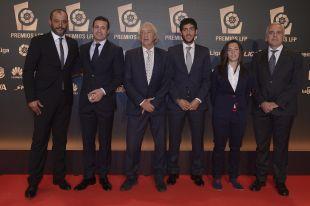 Nuno, Daniel Parejo y la delegación del Valencia CF estuvieron en la 'Gala de los Premios LFP 2014'