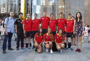 Los jugadores de tenis de mesa acompañaron a la expedición del Atlético de Madrid
