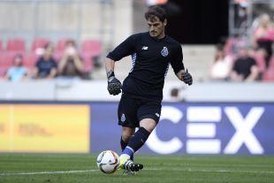 Iker Casillas se enfrenta por primera vez a un equipo de LaLiga con su nuevo club.