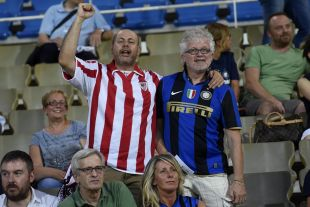 Las aficiones de ambos equipos disfrutaron del encuentro de LaLiga World celebrado en el Ennio Tardini de Parma