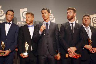 Cristiano Ronaldo, durante la zona mixta en la Gala de los Premios LFP 2013-14