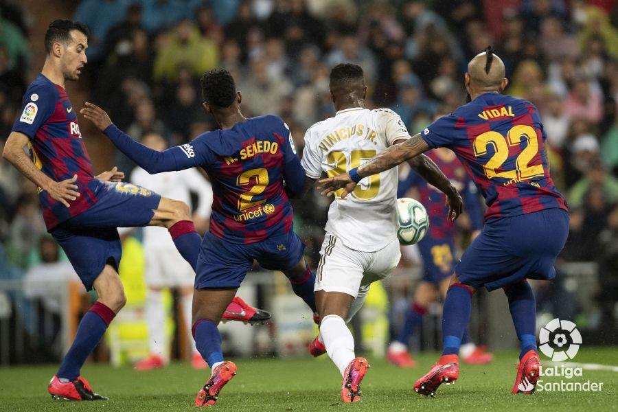 صور مباراة : ريال مدريد - برشلونة 2-0 ( 01-03-2020 )  1401817bca16f34763e0264eda3ed523