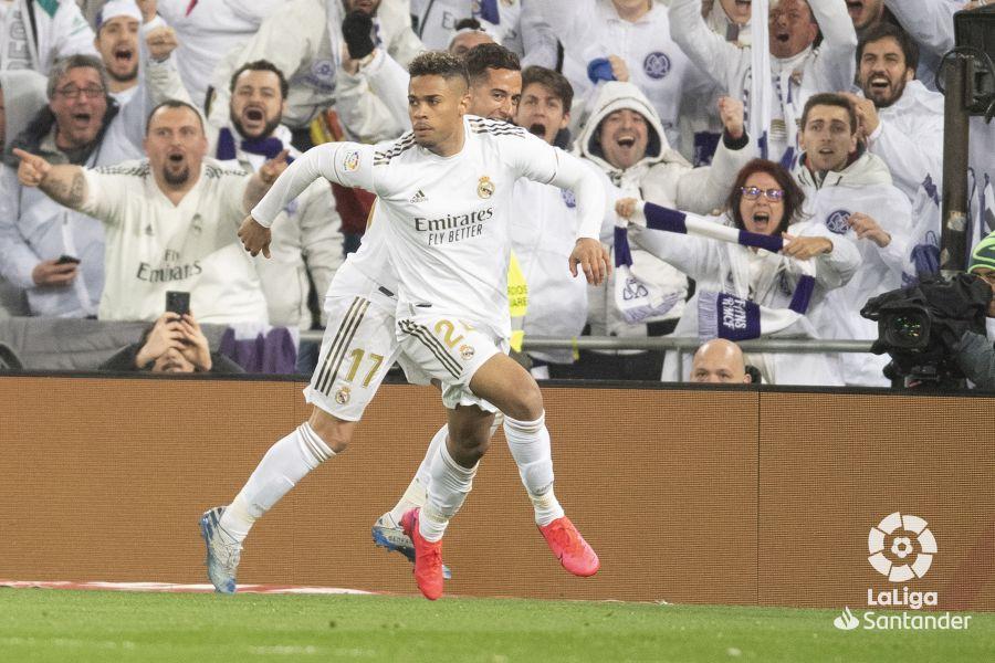 صور مباراة : ريال مدريد - برشلونة 2-0 ( 01-03-2020 )  224594920b11f3a6b9cbb021f08a8dd3