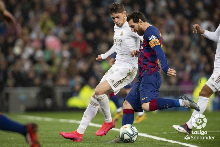 صور مباراة : ريال مدريد - برشلونة 2-0 ( 01-03-2020 )  244779b65cf0930683d402fa8ae9a42b