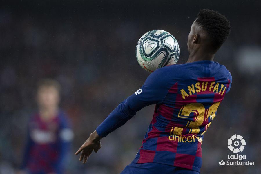 صور مباراة : ريال مدريد - برشلونة 2-0 ( 01-03-2020 )  345c1583f8976aa6016eb22812418d39
