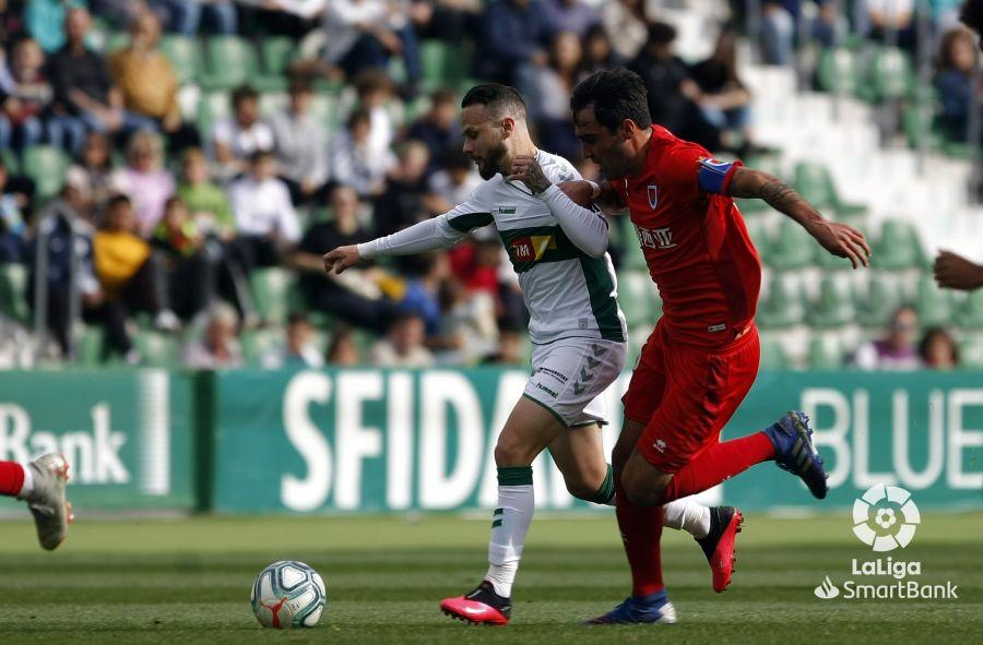 Dura derrota para un sufrido Numancia con uno menos en el campo (2-0) | Imagen 3