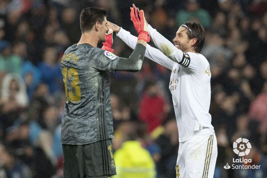 صور مباراة : ريال مدريد - برشلونة 2-0 ( 01-03-2020 )  3f00cab94933fe91a584c39e17e14d34