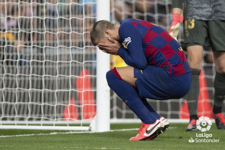 صور مباراة : ريال مدريد - برشلونة 2-0 ( 01-03-2020 )  46ff7b48fe71f466faab402b8bab05d8