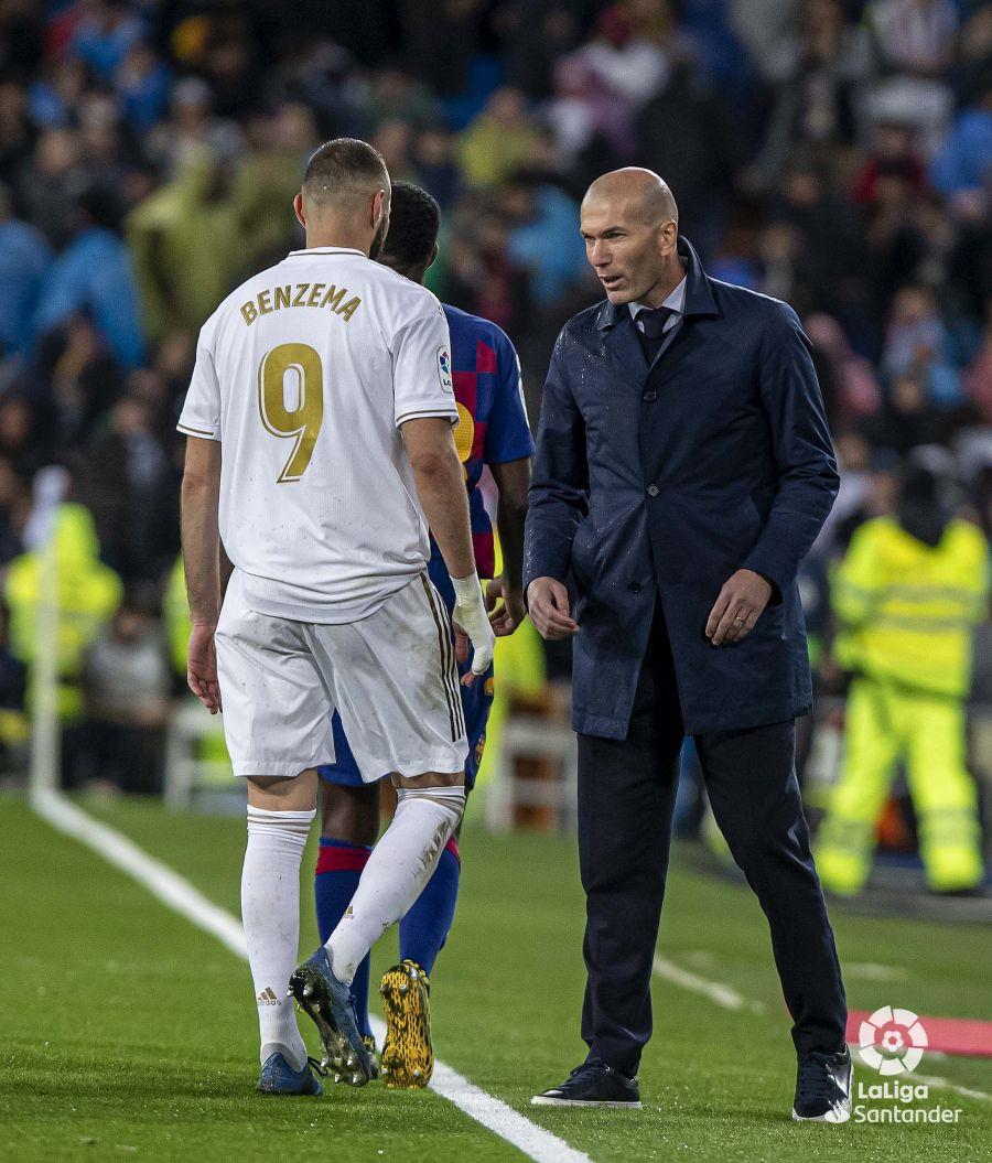 صور مباراة : ريال مدريد - برشلونة 2-0 ( 01-03-2020 )  473d49adf9ddcf090a354e443e5c1c87