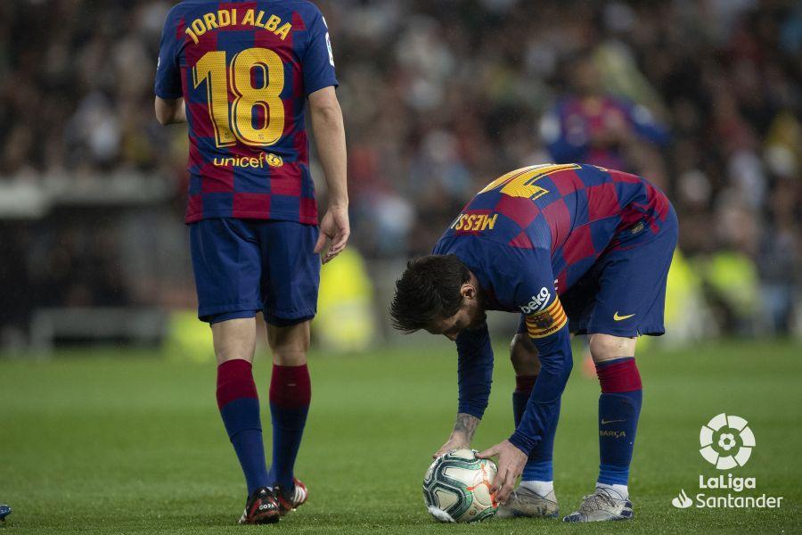 صور مباراة : ريال مدريد - برشلونة 2-0 ( 01-03-2020 )  7ac0b21f688120a56418e4428189cffe