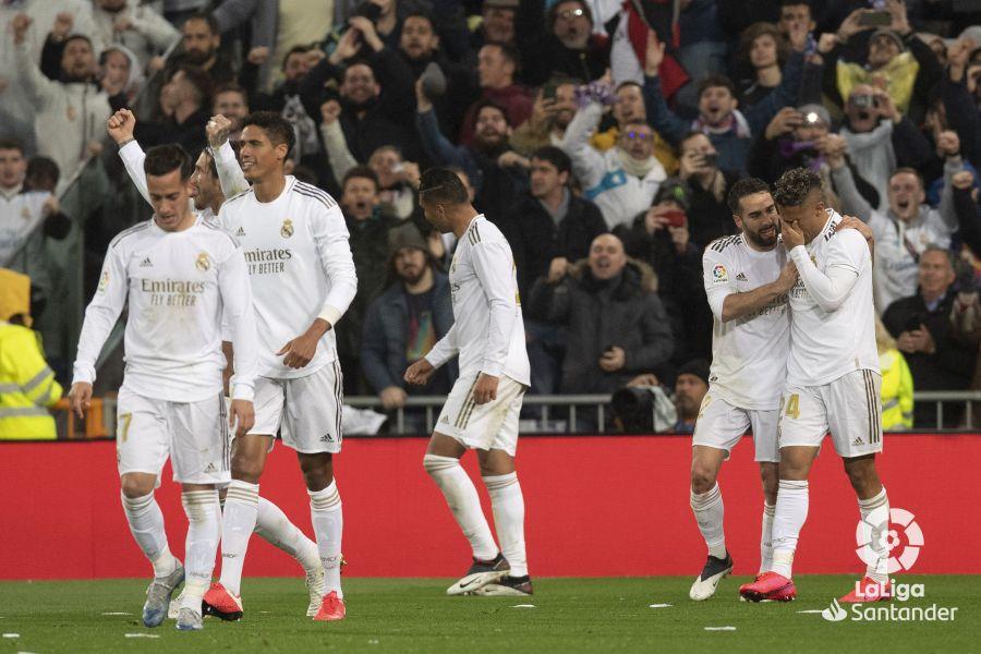 صور مباراة : ريال مدريد - برشلونة 2-0 ( 01-03-2020 )  8c79fecb64b6ba58497ed5970506e5f1