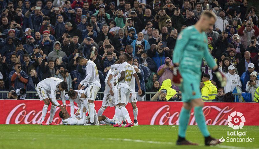 صور مباراة : ريال مدريد - برشلونة 2-0 ( 01-03-2020 )  8e6d1eab151f72fc54ab2e83bf10de58