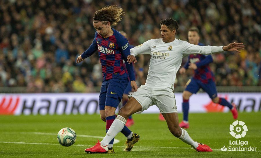 صور مباراة : ريال مدريد - برشلونة 2-0 ( 01-03-2020 )  9d8a76c2c9ca67ef286308e63c48b85d