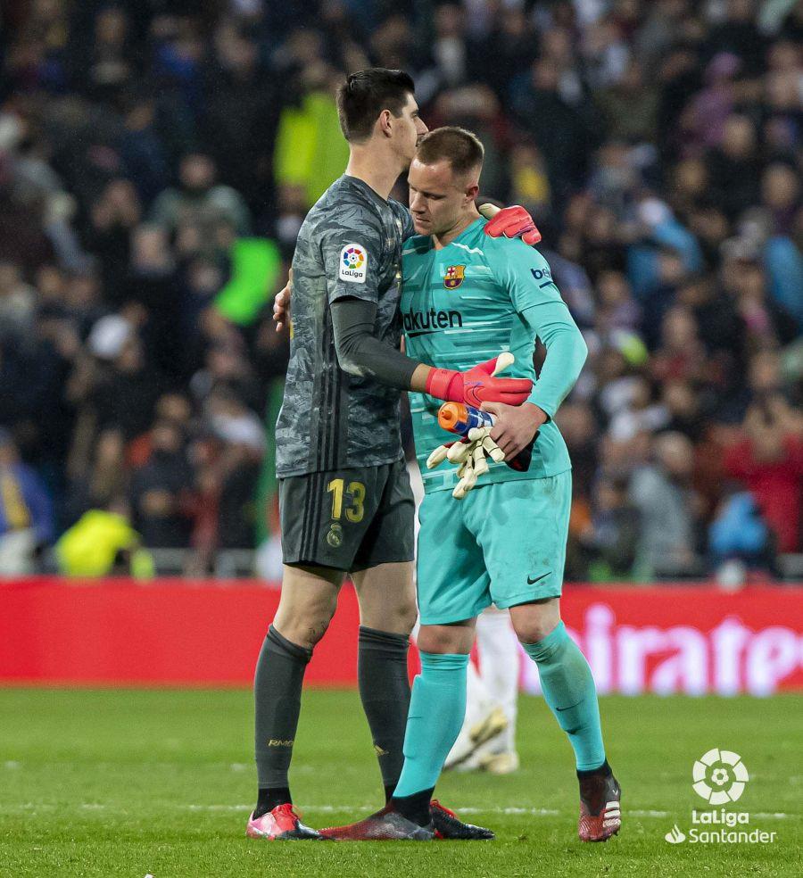 صور مباراة : ريال مدريد - برشلونة 2-0 ( 01-03-2020 )  Ba0aa9bdb4a9ed6ed230eb440b42f54a