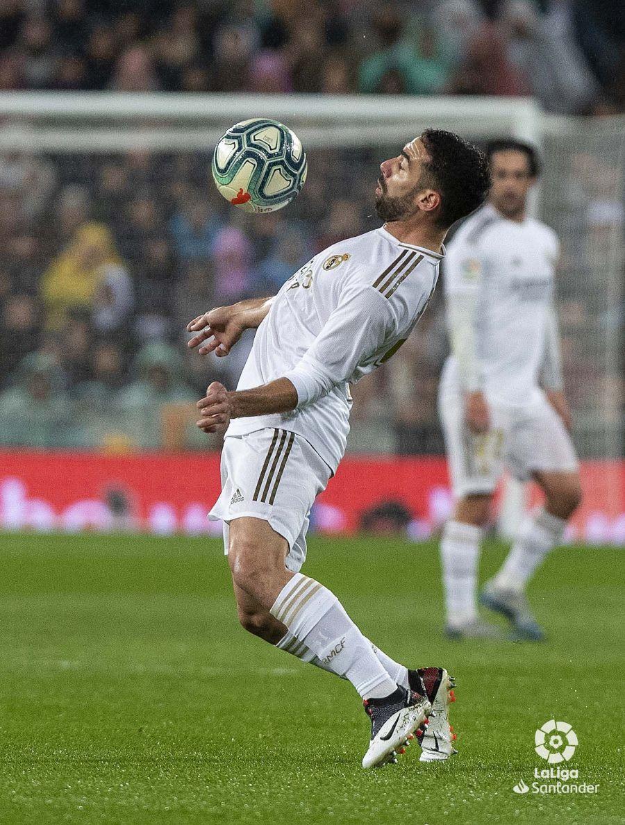 صور مباراة : ريال مدريد - برشلونة 2-0 ( 01-03-2020 )  C36a83d1cf710a30d26926cfb0d23e17