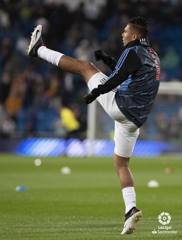 صور مباراة : ريال مدريد - برشلونة 2-0 ( 01-03-2020 )  Cce8ff28303a97a8e06df5379d773a07