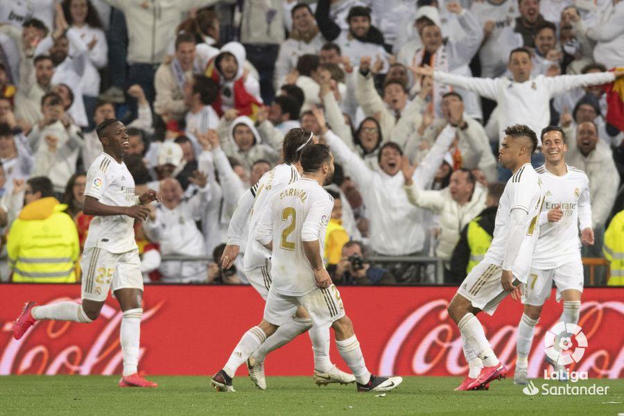 صور مباراة : ريال مدريد - برشلونة 2-0 ( 01-03-2020 )  Cd2ced4099c3d446351ce09c137ca8cc