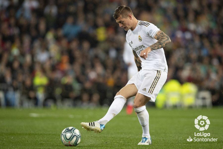 صور مباراة : ريال مدريد - برشلونة 2-0 ( 01-03-2020 )  D88c36dd6aeaf709aec00c0513521023