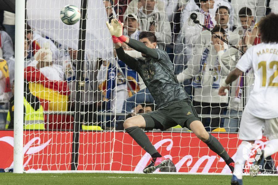 صور مباراة : ريال مدريد - برشلونة 2-0 ( 01-03-2020 )  Dd82617aaed8c2b947c425e9129c42b7