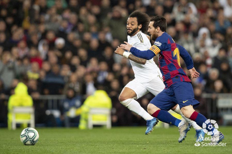 صور مباراة : ريال مدريد - برشلونة 2-0 ( 01-03-2020 )  Dddcaa0be567747d0fb4ae44c78dcf54