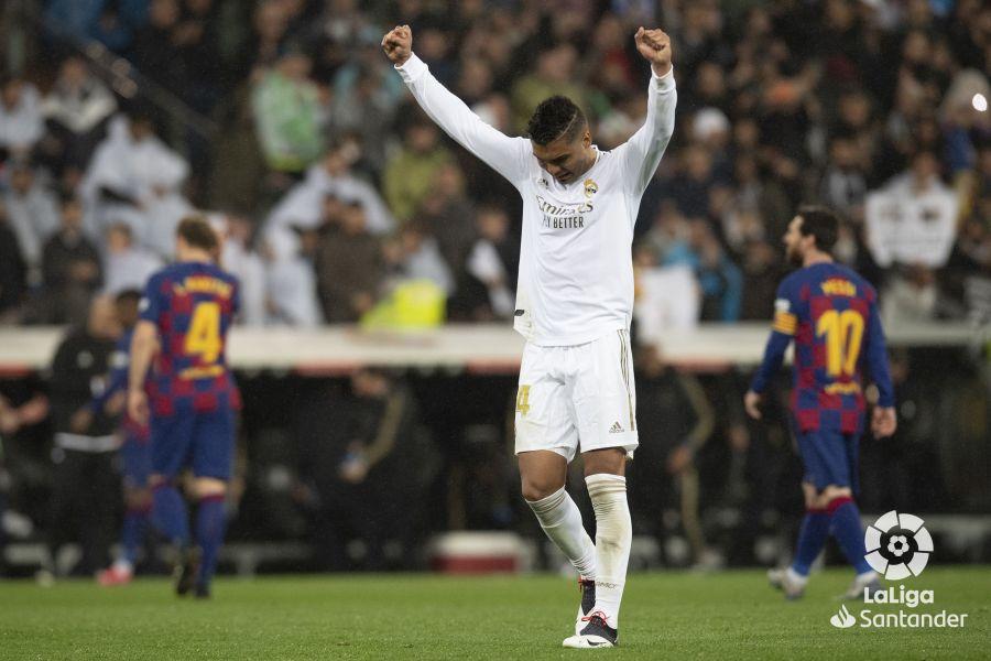 صور مباراة : ريال مدريد - برشلونة 2-0 ( 01-03-2020 )  E48858823b0ccc678779f92352c54dc2